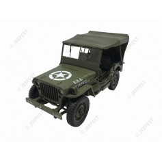 JEEP WILLYS 1/18 AVEC BACHE 1942