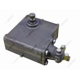 MASTER CYLINDER EARLY TYPE GMC