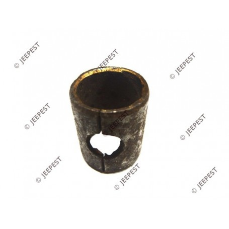 BUSHING PINION REVERSE GEAR T84